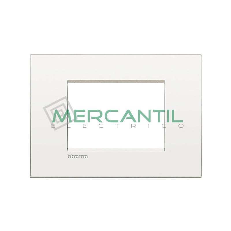 Marco Cuadrado Rectangular Living Light Air BTICINO - Color Blanco