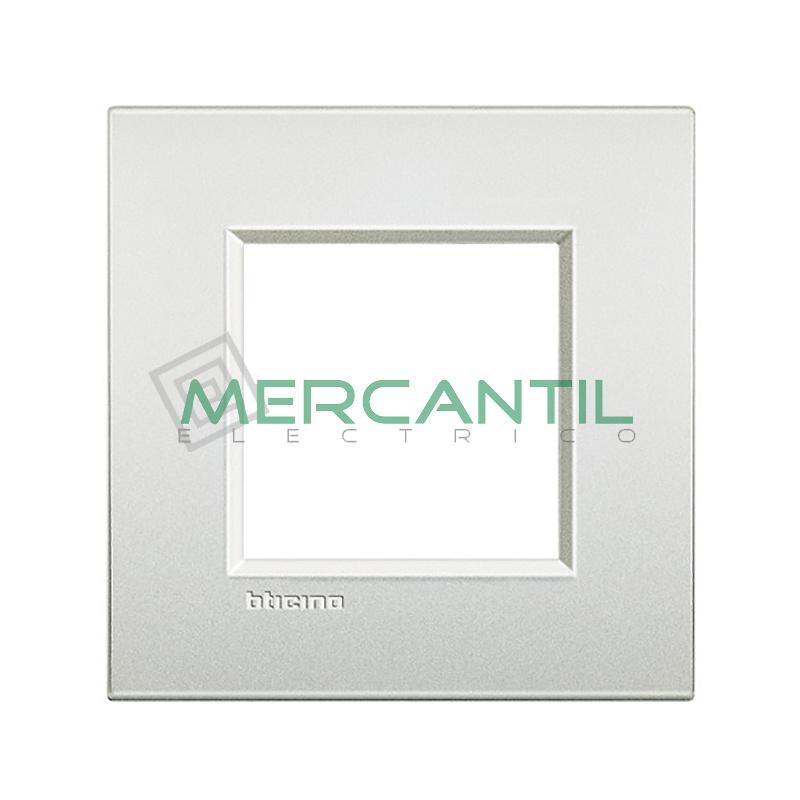 Marco Cuadrado Universal Living Light Air BTICINO - Color Blanco Perla