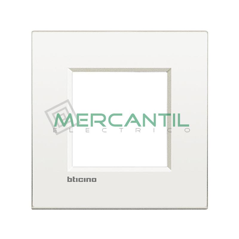Marco Cuadrado Universal Living Light Air BTICINO - Color Blanco