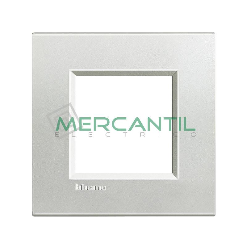 Marco Cuadrado Universal Living Light BTICINO - Color Plata