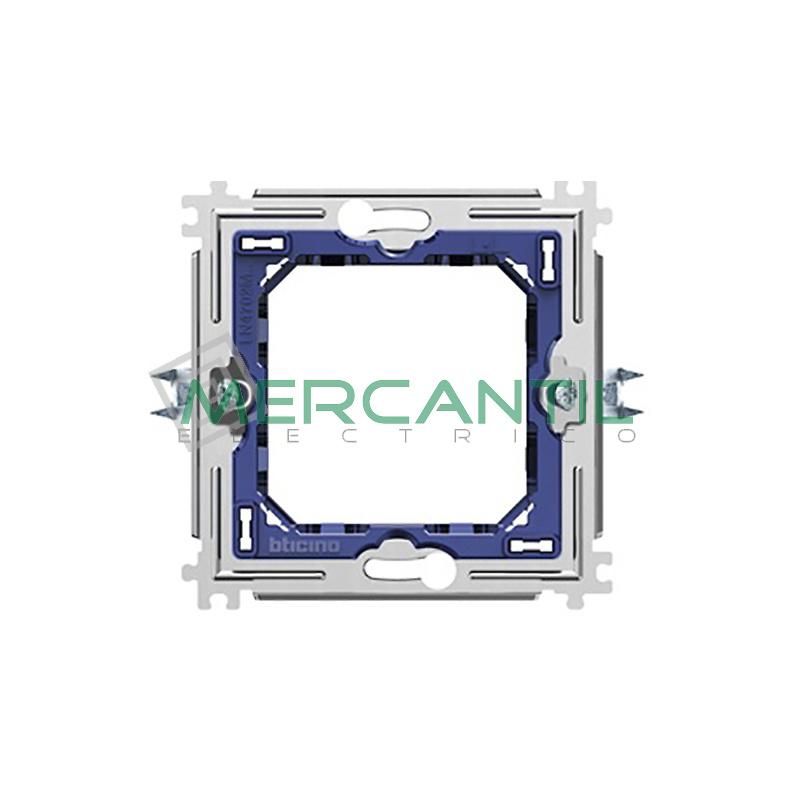 Soporte Placas Redondas y Cuadradas 2 Modulos Metalico con Garras Living Light BTICINO