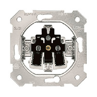 Base de enchufe schuko 2P+T lateral embornamiento automatico con garras 16A Mec 18 BJC